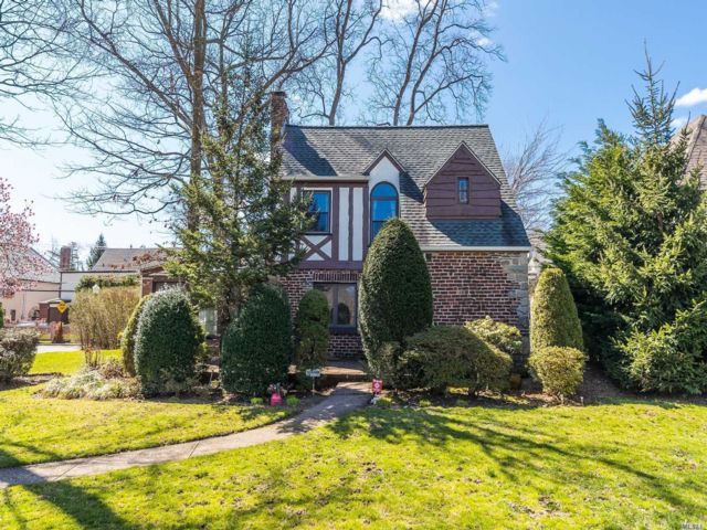 3 BR,  2.00 BTH Tudor style home in Rockville Centre