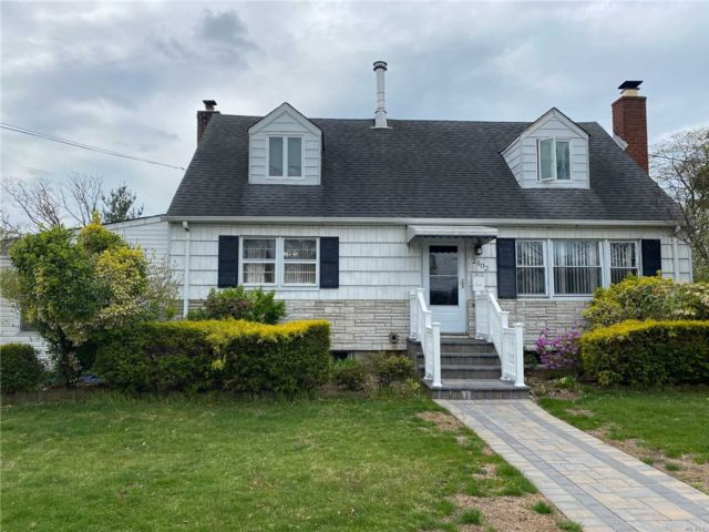 [East Meadow Real Estate, listing number 3109598]