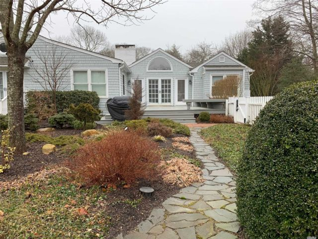 5 BR,  3.00 BTH Exp ranch style home in Quogue