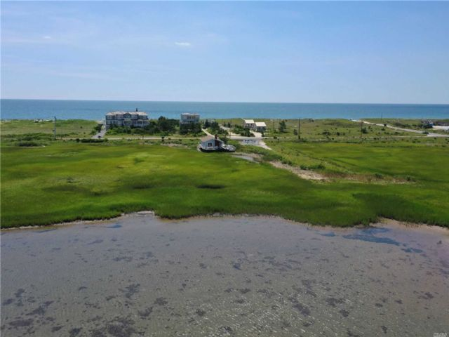 3 BR,  2.00 BTH  Ranch style home in East Quogue