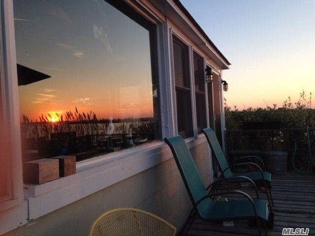 3 BR,  2.00 BTH House rental style home in Atlantique