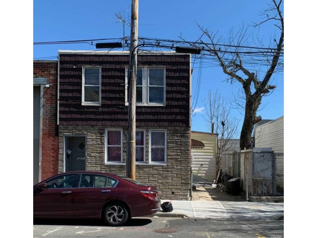 4 BR,  2.00 BTH Contemporary style home in Ozone Park
