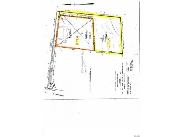 Lot <b>Size:</b> 5.03 acre  Land style home in Old Brookville