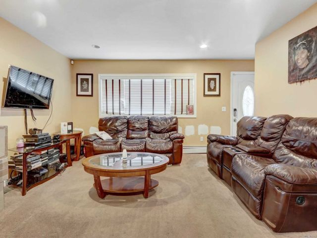 3 BR,  1.00 BTH Cape style home in Wyandanch