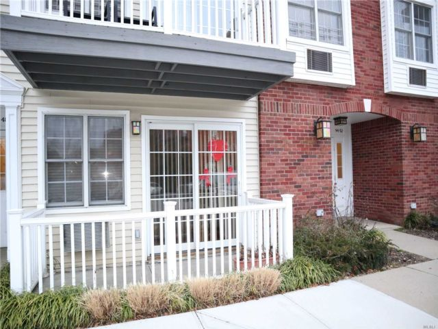 2 BR,  3.00 BTH Townhouse style home in Ozone Park