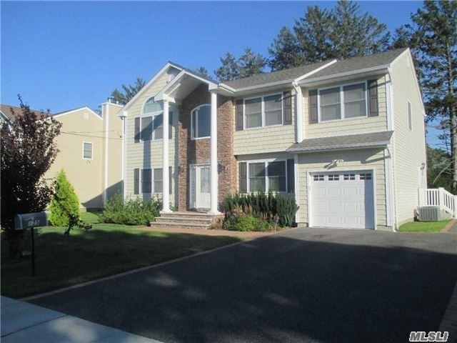 4 BR,  3.00 BTH  Colonial style home in West Babylon