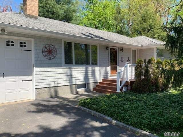 3 BR,  2.00 BTH Ranch style home in Centerport