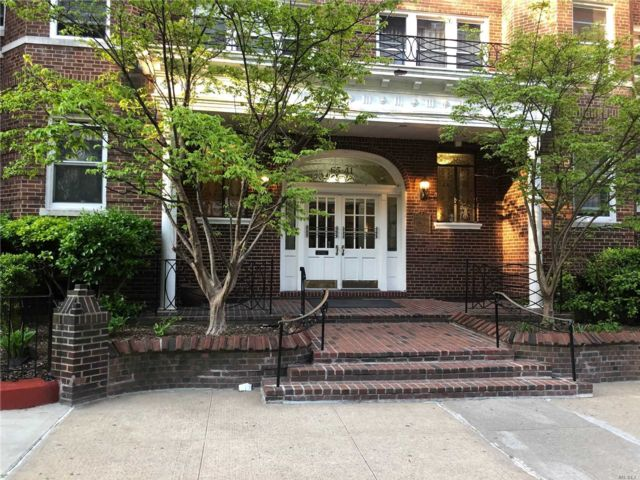 2 BR,  1.00 BTH Other style home in Rego Park