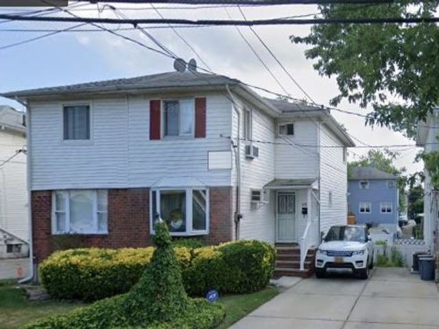 3 BR,  3.00 BTH 2 story style home in Rosedale
