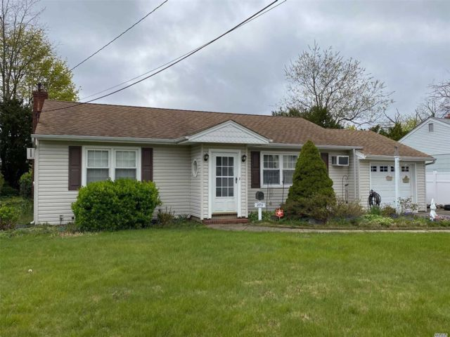 [Copiague Real Estate, listing number 3110666]