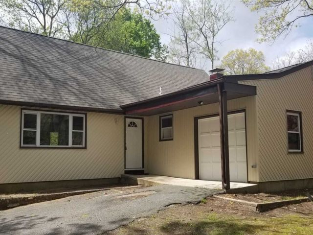 5 BR,  2.00 BTH Exp cape style home in Central Islip