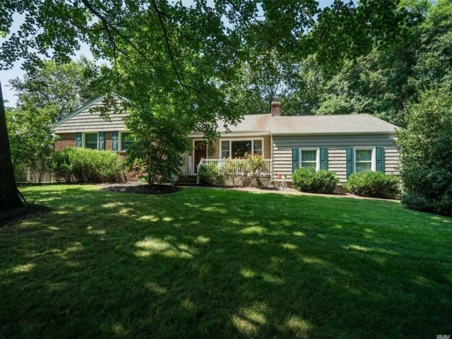 [Stony Brook Real Estate, listing number 3110798]