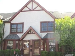 2 BR,  3.00 BTH Other style home in Scarsdale