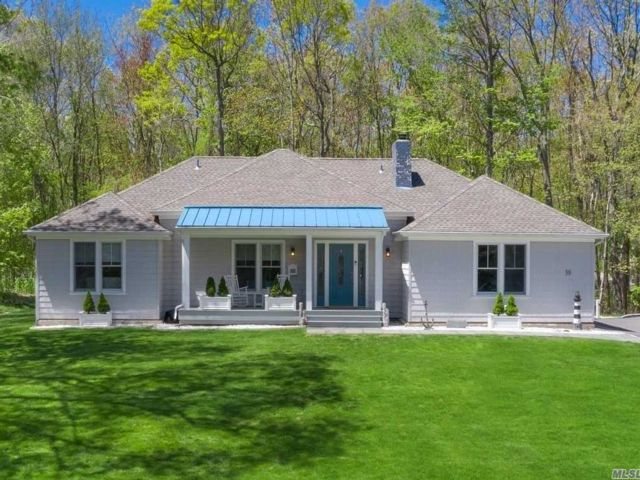3 BR,  3.00 BTH Ranch style home in Belle Terre
