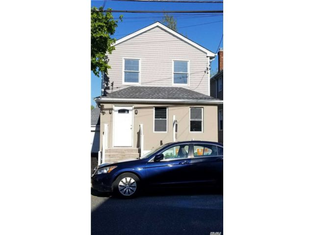 4 BR,  3.00 BTH 2 story style home in Elmont