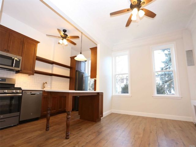 2 BR,  1.00 BTH Colonial style home in Ridgewood