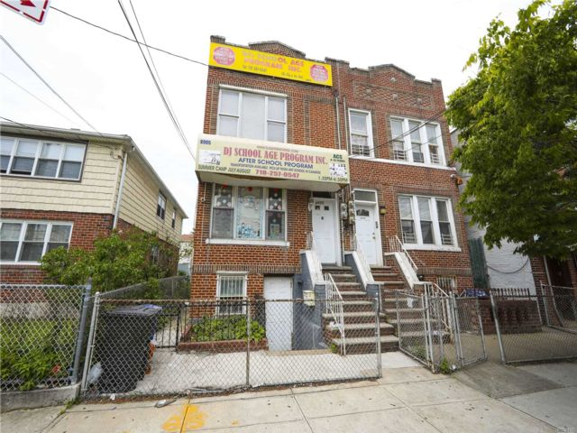 2 BR,  3.00 BTH  2 story style home in Canarsie