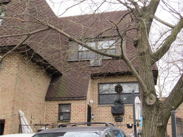 4 BR,  4.00 BTH  Semi detached style home in East Elmhurst