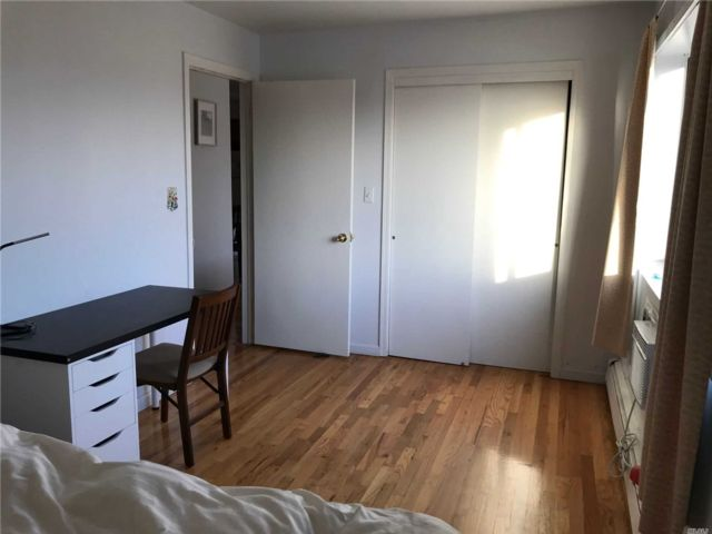 2 BR,  1.00 BTH  Other style home in Corona
