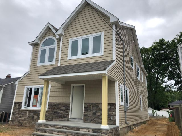 4 BR,  3.00 BTH Colonial style home in Wantagh