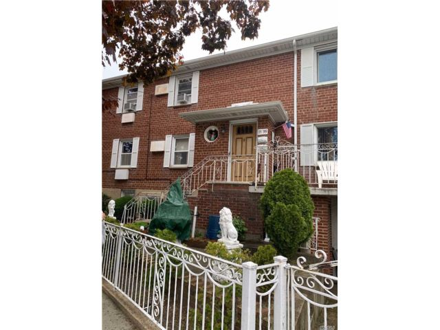 [Whitestone Real Estate, listing number 3111440]