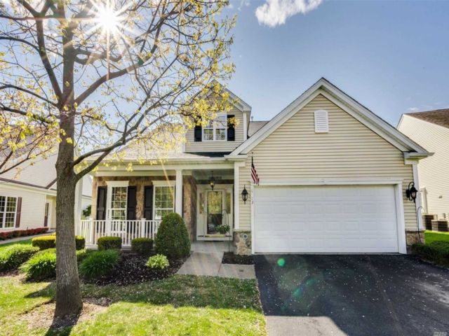 3 BR,  3.00 BTH Townhouse style home in Mt. Sinai