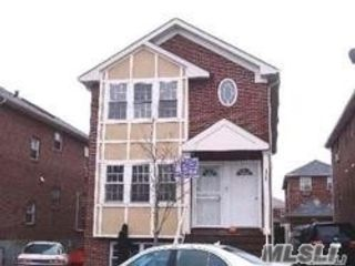 3 BR,  2.00 BTH Apt in house style home in Morris Park