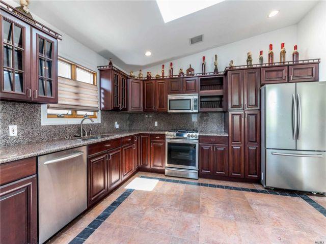 [Whitestone Real Estate, listing number 3111682]