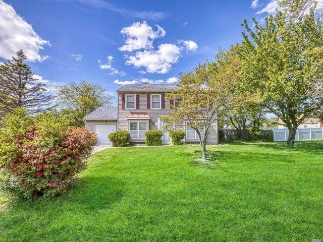 [Stony Brook Real Estate, listing number 3111683]