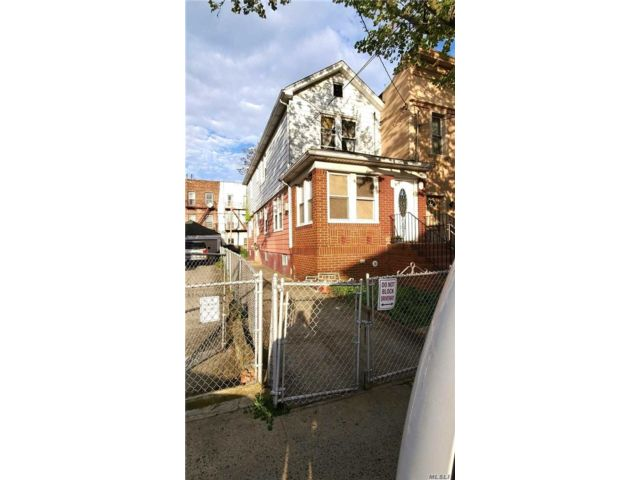 3 BR,  3.00 BTH Colonial style home in East Flatbush