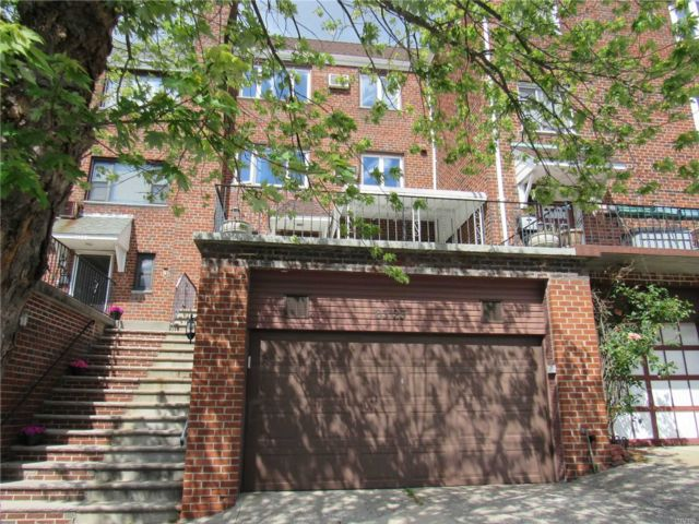 3 BR,  1.00 BTH  Apt in house style home in Maspeth