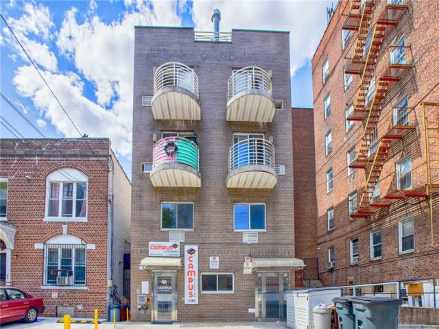 1 BR,  2.00 BTH Other style home in Flushing