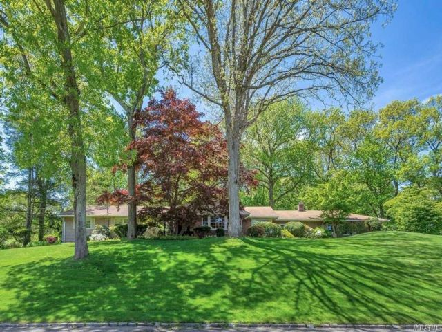 5 BR,  3.00 BTH Ranch style home in Woodbury