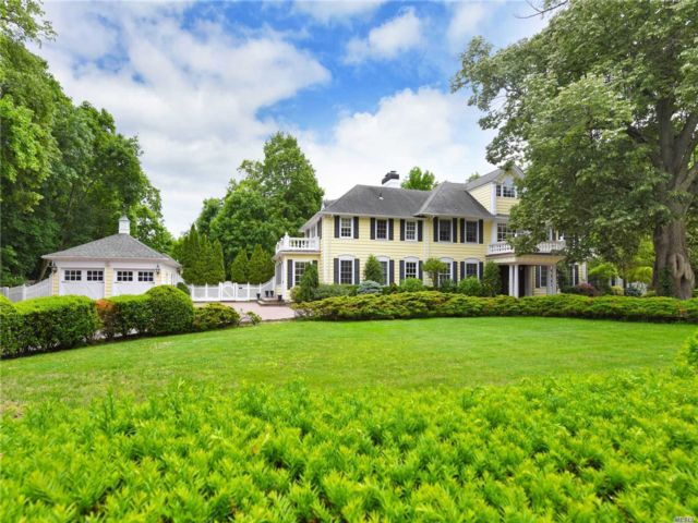 6 BR,  8.00 BTH Colonial style home in Hewlett Bay Park
