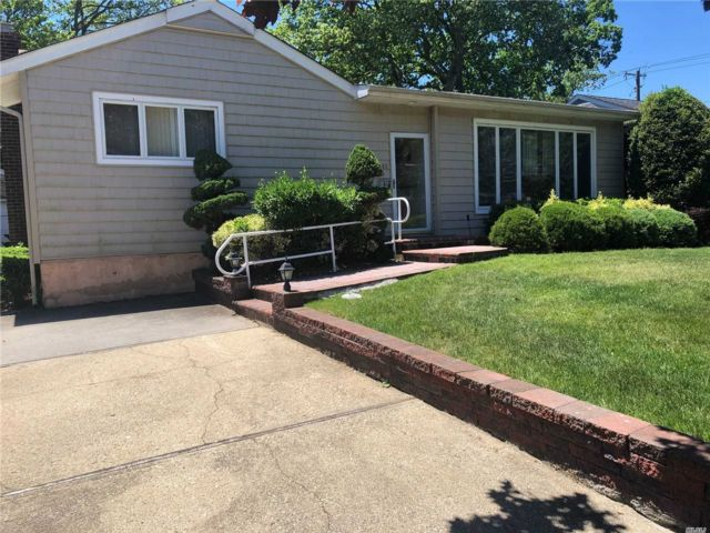 [East Meadow Real Estate, listing number 3112334]