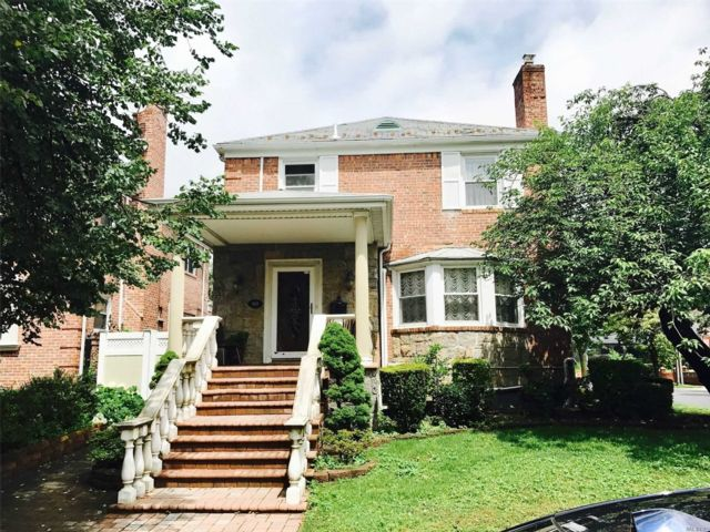 3 BR,  3.00 BTH  Colonial style home in Hollis