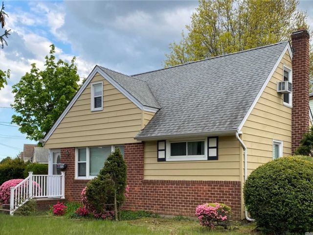 [East Meadow Real Estate, listing number 3112672]
