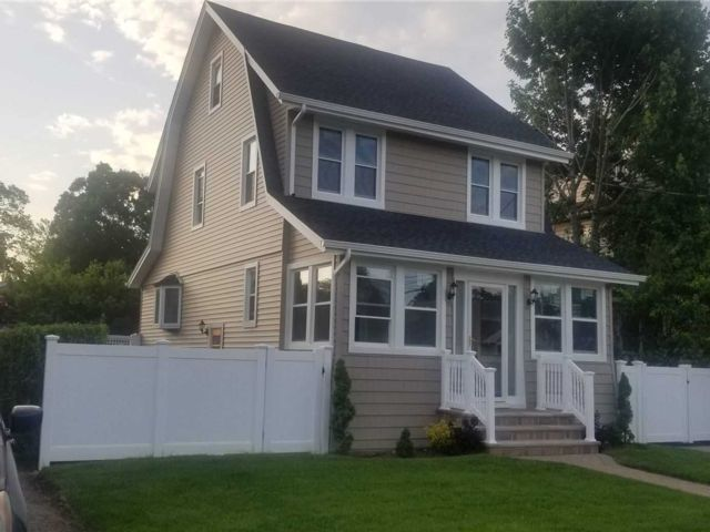 3 BR,  2.00 BTH  Colonial style home in Rockville Centre