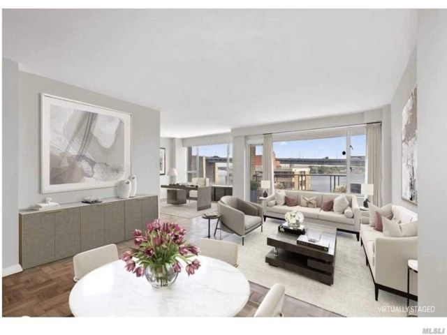 1 BR,  1.00 BTH Co-op style home in Beechhurst