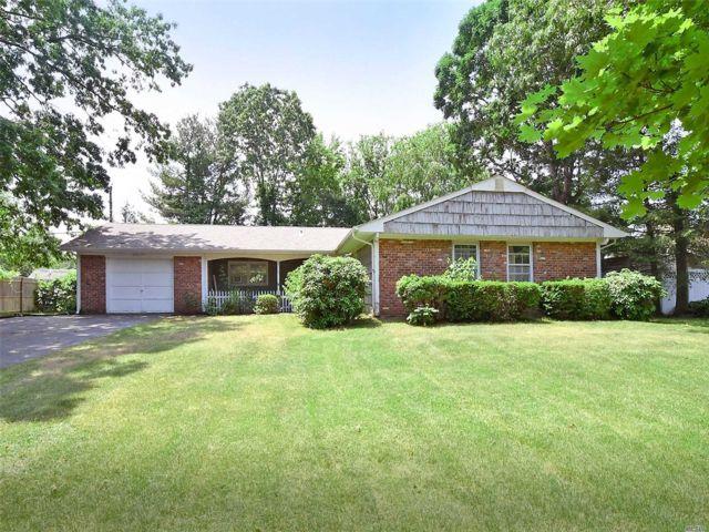 [Stony Brook Real Estate, listing number 3112924]