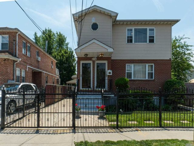 6 BR,  6.00 BTH Hi ranch style home in Springfield Gardens