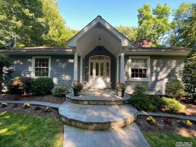 3 BR,  2.00 BTH Ranch style home in Belle Terre
