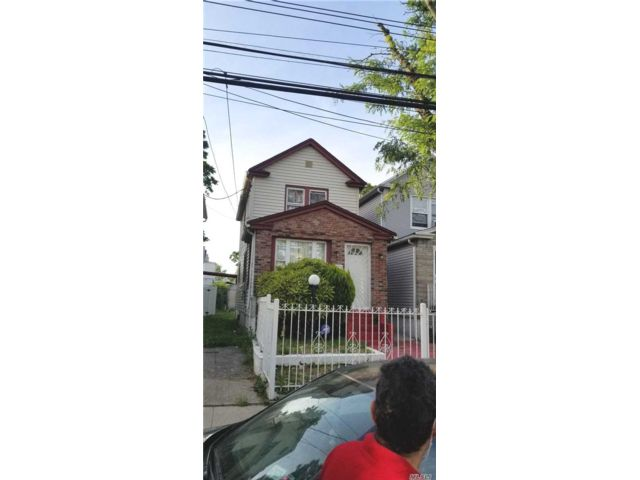 3 BR,  2.00 BTH  Other style home in Jamaica