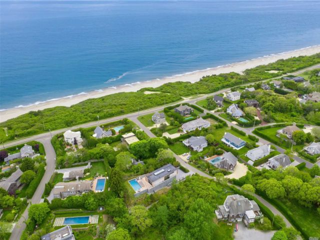 Lot <b>Size:</b> 80x200 Land style home in Montauk