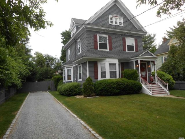 4 BR,  3.00 BTH Victorian style home in Rockville Centre