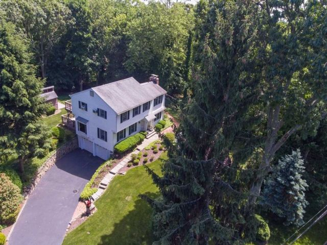 [Stony Brook Real Estate, listing number 3113522]