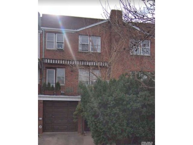 2 BR,  1.00 BTH Townhouse style home in Woodside