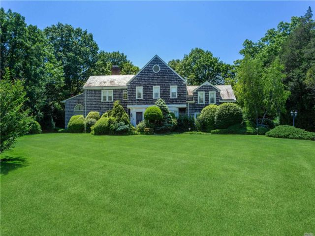 4 BR,  5.00 BTH Colonial style home in Hewlett Bay Park