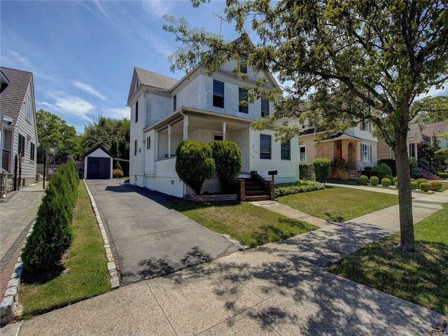 [Whitestone Real Estate, listing number 3113820]