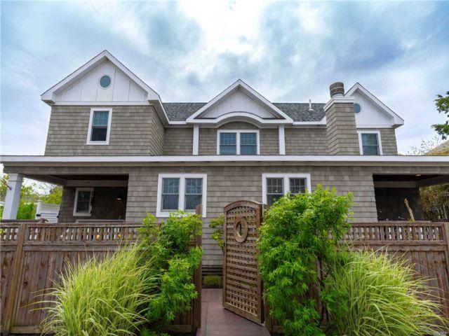 5 BR,  5.00 BTH Colonial style home in Ocean Beach